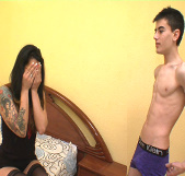 Treintañera española follando un adolescente