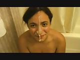Facial a su novia en la ducha